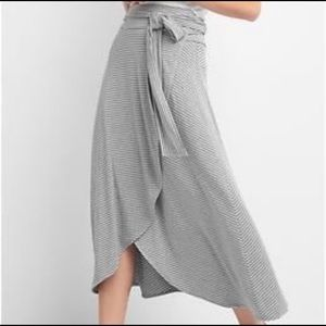 Gap midi striped true wrap skirt medium gray